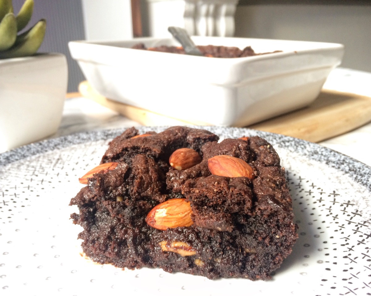 brownie au beurre de cacahu tes et aux amandes vivre healthy. Black Bedroom Furniture Sets. Home Design Ideas