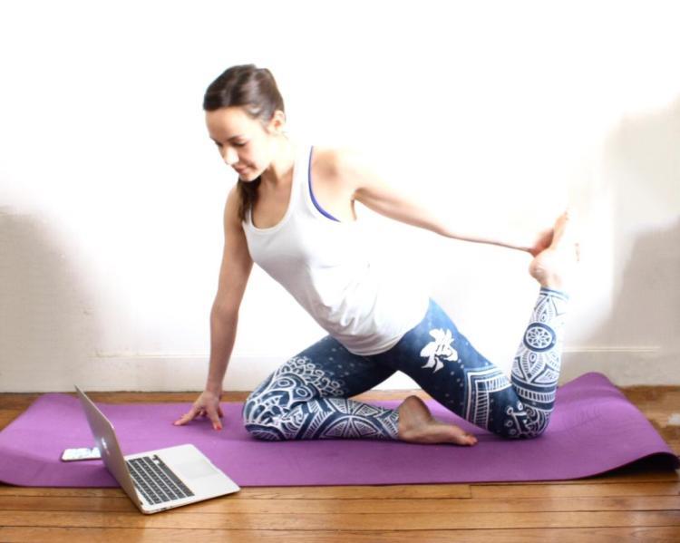 yoga la maison avec yoga connect vivre healthy. Black Bedroom Furniture Sets. Home Design Ideas